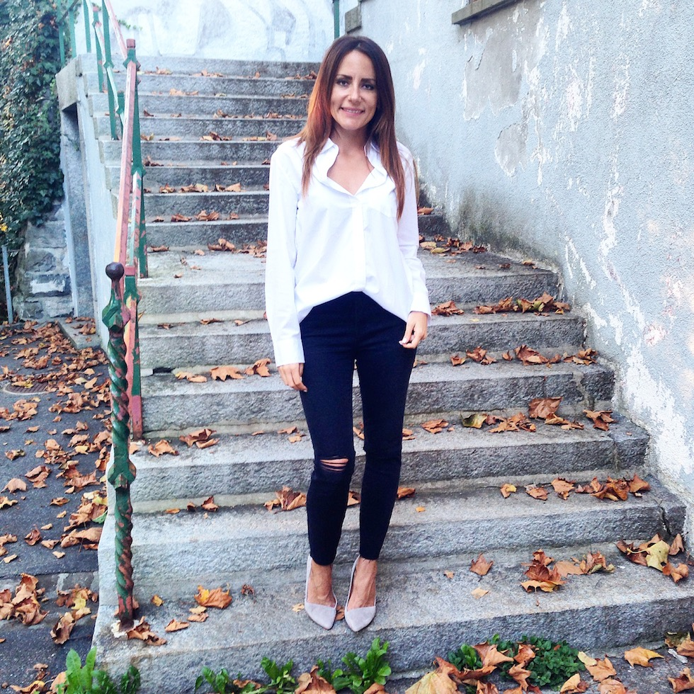 Ripped jeans madewell, weisse bluse mekivi fashionblog